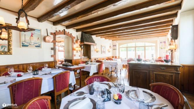 Intérieur - Restaurant Du Vieux Port - Les Successeurs de Jolidon, Versoix