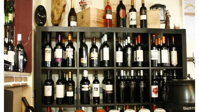garrafeira - Marias de Vinho tinto, Lisboa