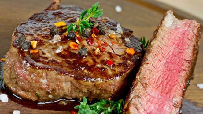 Sappige Ossenhaas - Bariloche Steak & Burger Amsterdam, Amsterdam