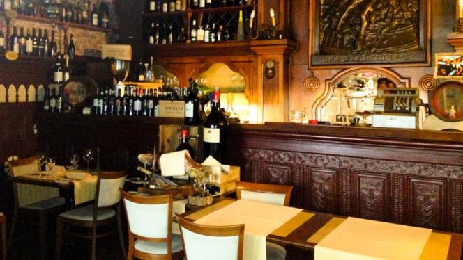 Vue salle et bar - Enoteca da Valentino,
