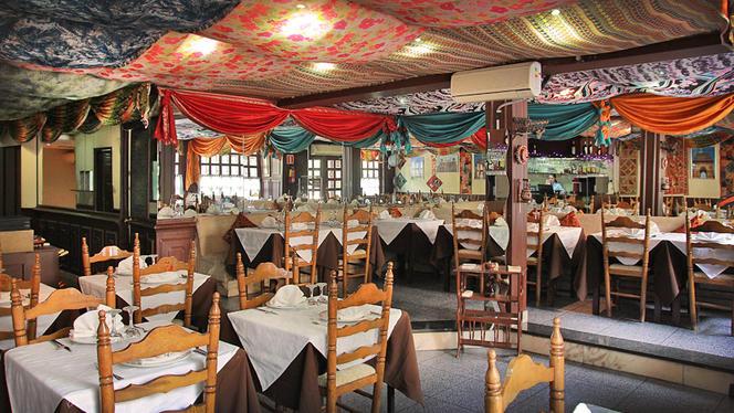 Delhi Darbar 1 - Delhi Darbar, Barcelona
