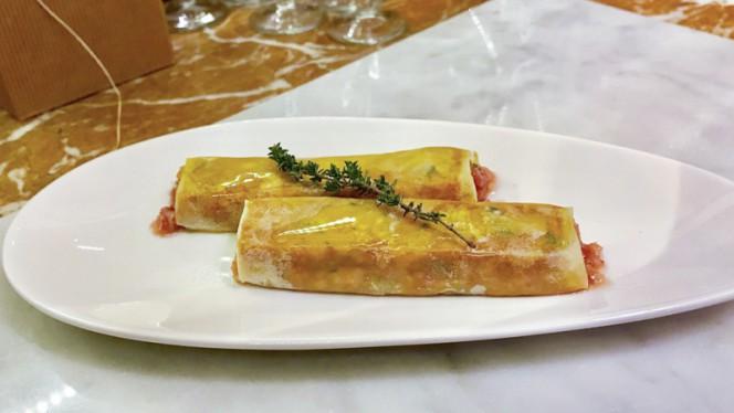 Canelón de Pies de Cerdo y Manzana Caramelizada - La Vicoca - Bar de Vins, Barcelona
