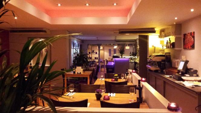 Restaurantzaal - Toros Santiago, Den Haag