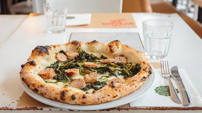 La pizza salsiccia e friarielli - Rossopomodoro Porta Romana, Milan