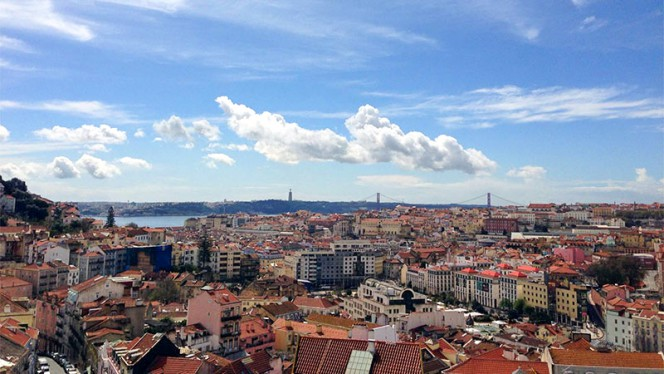 Vista dia - Via Graça, Lisbon
