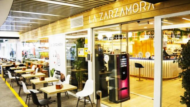 Nuestra Terraza - La Zarzamora, Madrid