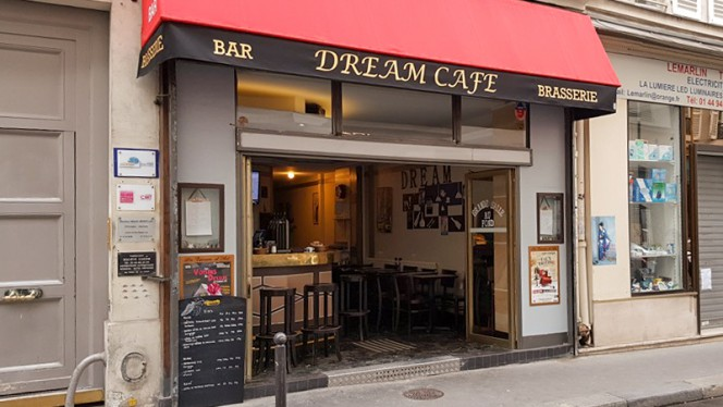 Façade - Dream, Paris