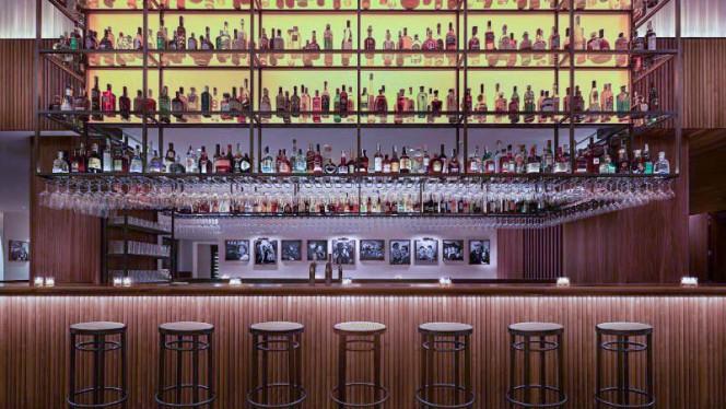 sala - Bar Veraz - The Barcelona EDITION, Barcelona