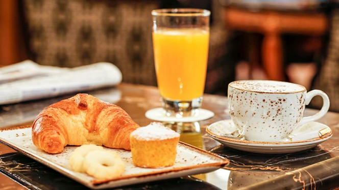 Colazione italiana - The Lounge Bar, Milan