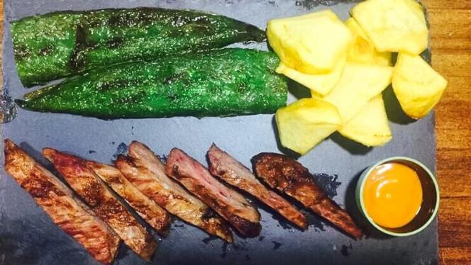 Carnes ibericas a la brasa - La Pitita de Chamberí, Madrid