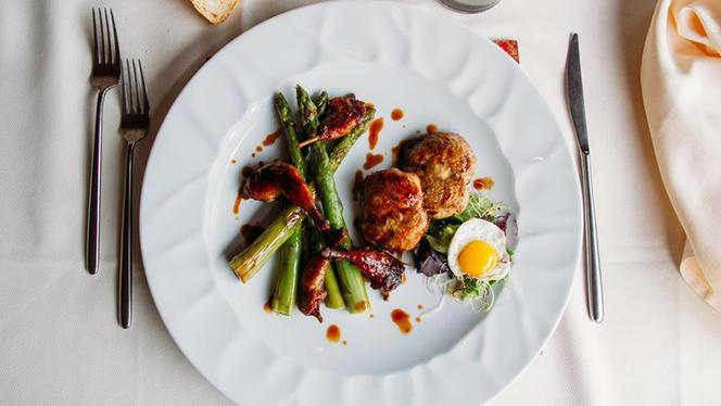 Quagliette disossate al marsala e asparagi di Santena - La Taverna di Fra' Fiusch,