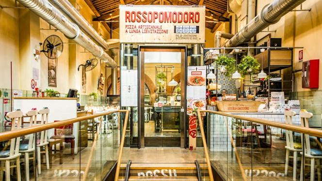 Entrata - Rossopomodoro Bologna, Bologna