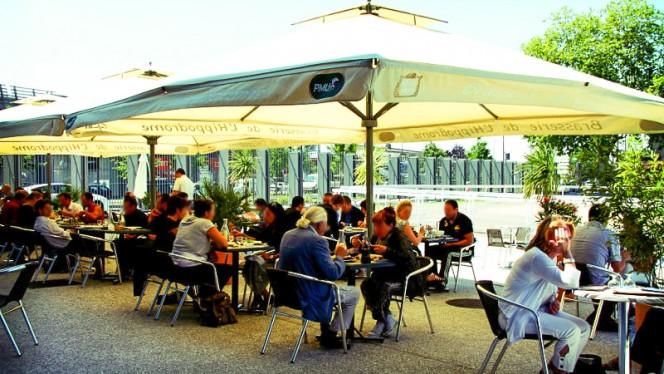 terrasse - Bistrot de l'Hippodrome, Vaulx-en-Velin