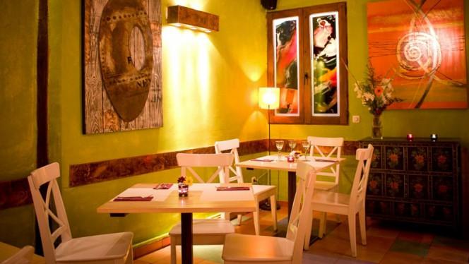 Sala trasera - Con 2 Fogones, Madrid