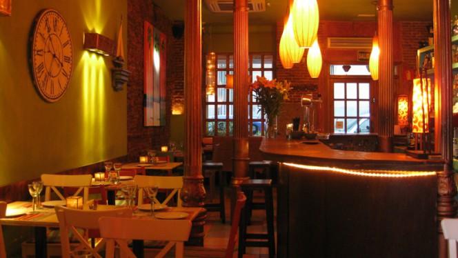 Vista barra - Con 2 Fogones, Madrid