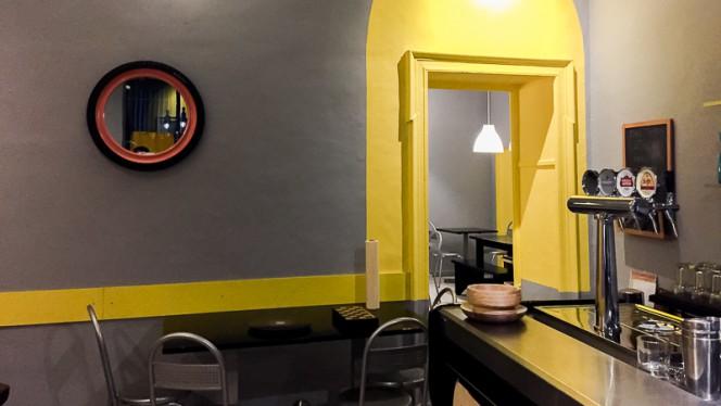 Sala - tana del topo, Torino