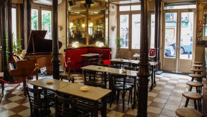 Vista sala - Café Barbieri, Madrid