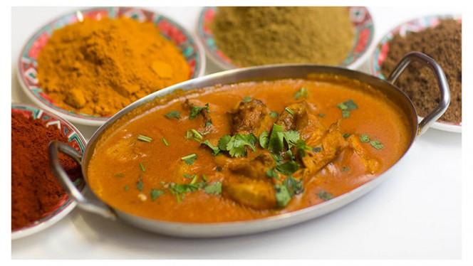 Grande variété de Curry au Poulet, à l'Agneau, au Poisson, Crevettes et Gambas - New Aqib, Paris