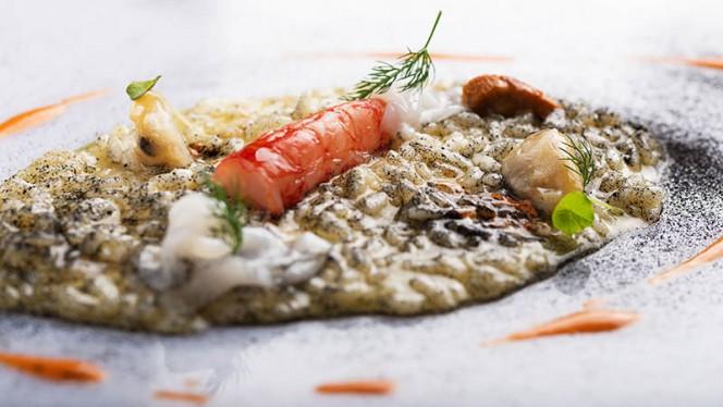 """Risotto di carnaroli """"Riserva San Massimo"""" con vongole, calamari e gamberi rossi - Derby Grill, Monza"""