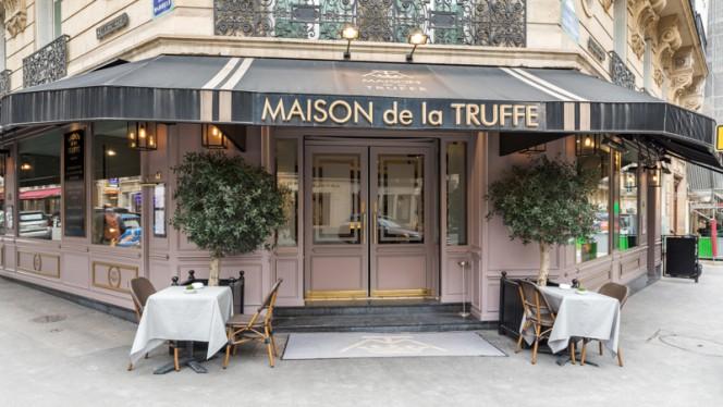 Devanture - Maison de la Truffe Marbeuf, Paris