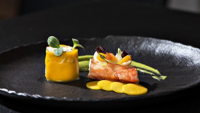 LA DAURADE. En tartare, mangue, avocat et gingembre, chantilly citron vert... - Sixty-Two, Toulouse