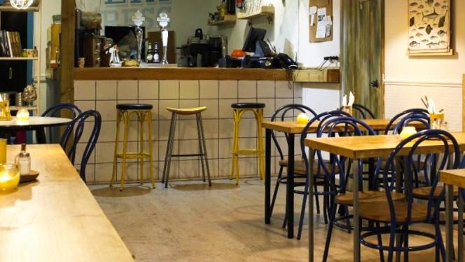 Sala - Aladroc Fish Bar, Valencia