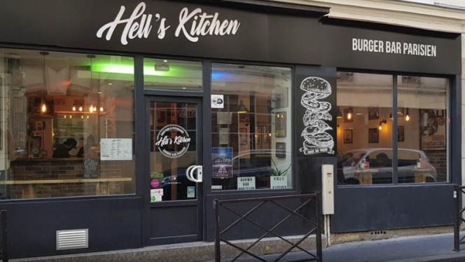 Façade - Hell's Kitchen, Paris