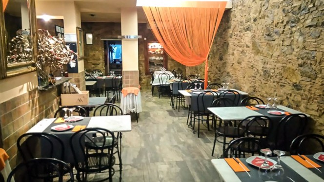 Salón - Mic Sopars, Barcelona