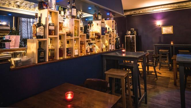 Le bar - Aromo, Lyon