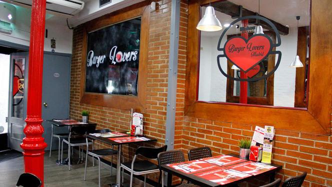 Mesas interior - Burger Lovers Madrid, Madrid