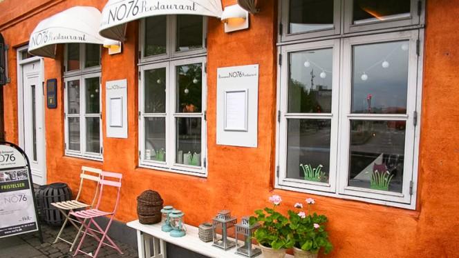 Indgang fra Ved Stranden - Brasserie og restaurant NO76 ApS, Aalborg