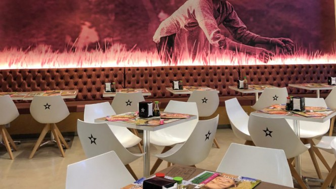 Sala del restaurante - Nacionsushi, Valencia