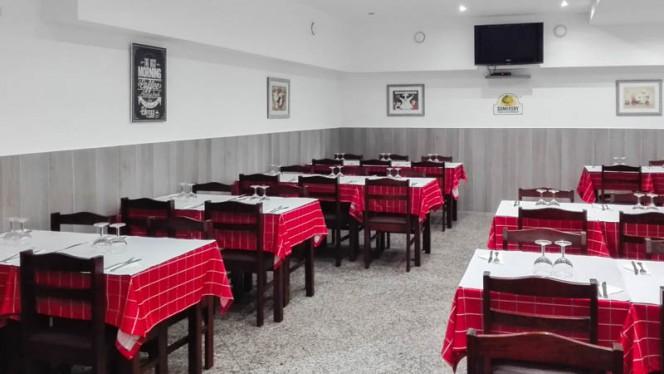Sala do restaurante - O Barriguinhas, Lisboa