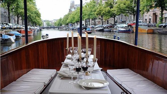 Varend restaurant heerlijk dineren op het water - Dinner Cruise Amsterdam - Varend Restaurant for groups from 10 up to 35 persons., Amsterdam