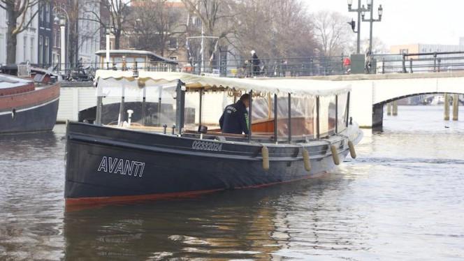 Varend restaurant op een klassieke salonboot op de grachten van Amsterdam - Dinner Cruise Amsterdam - Varend Restaurant for groups from 10 up to 35 persons., Amsterdam