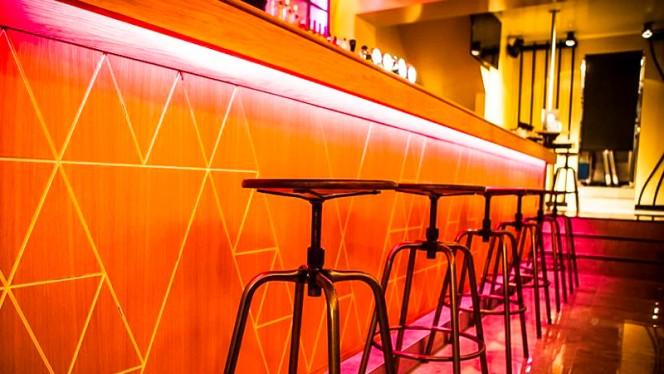 Le comptoir - Kombi Bar, Brussels