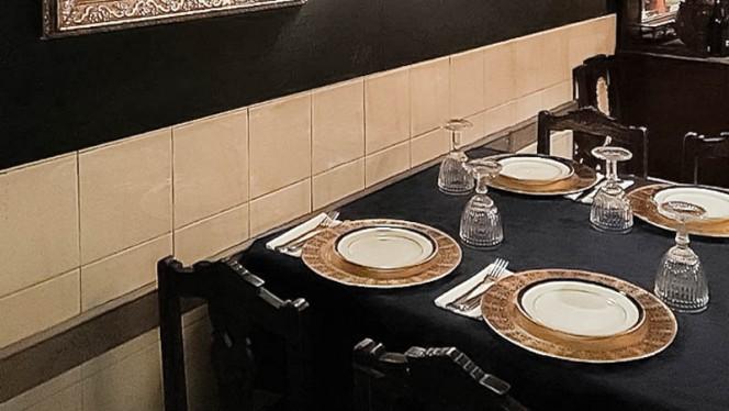 detalhe da mesa - SecAdegas, Lisboa