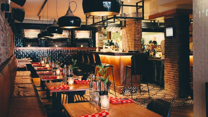 Restaurant - The Chicken Bar, Amsterdam