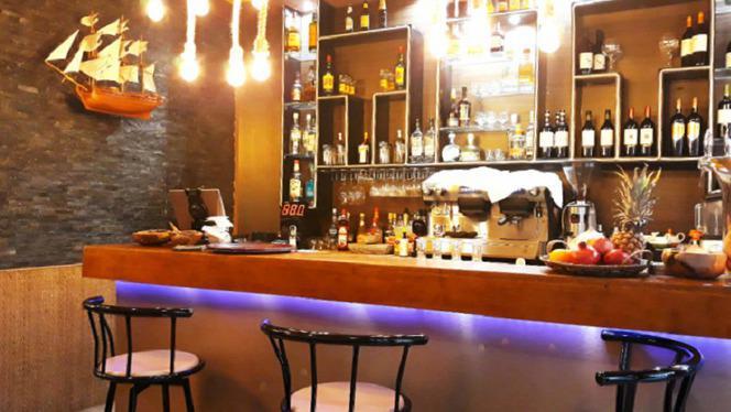 Le bar - Goa Beach, Paris