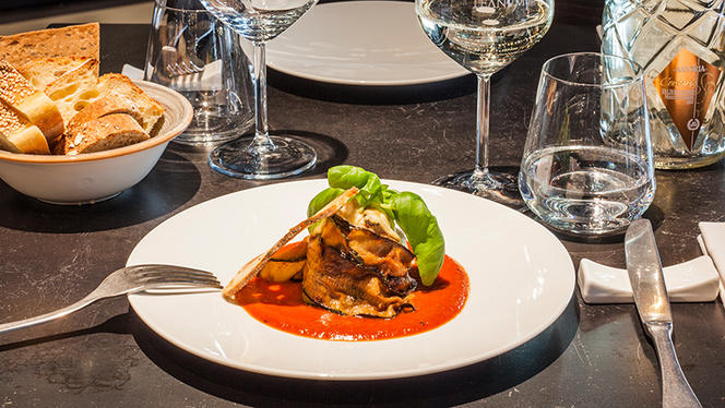 Flan di parmigiano su vellutata di carote e crumble di capocollo alle erbe - Cantine Milano, Milan