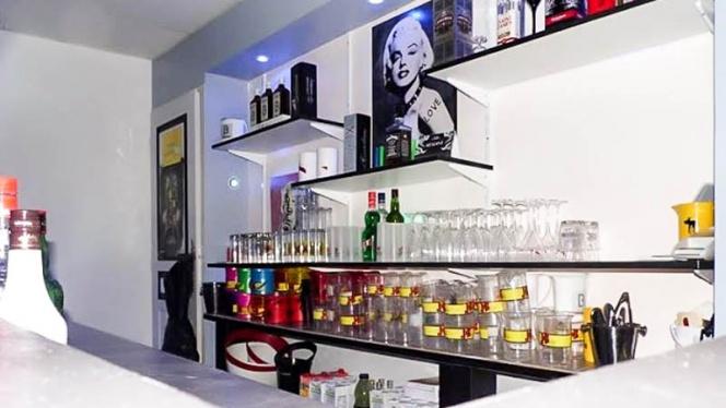 Vue bar - Le Pacha, Saint-Victoret