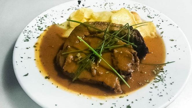plato de carne - El Caldero de Roal, Leganés