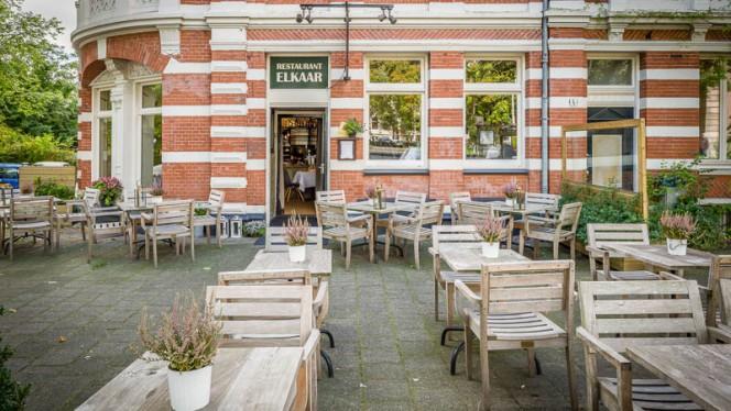Terras - Elkaar, Amsterdam