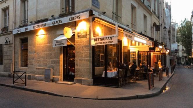 Façade - Les Gourmands de Notre Dame, Paris