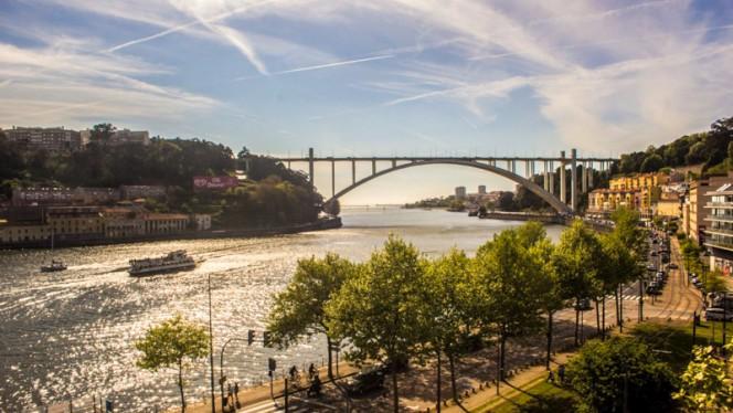 Vistas - Douro Sky Lounge, Porto