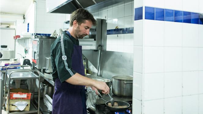 Le Chef en plein travail - Le Clos d'Augusta - Samuel Zuccolotto, Bordeaux