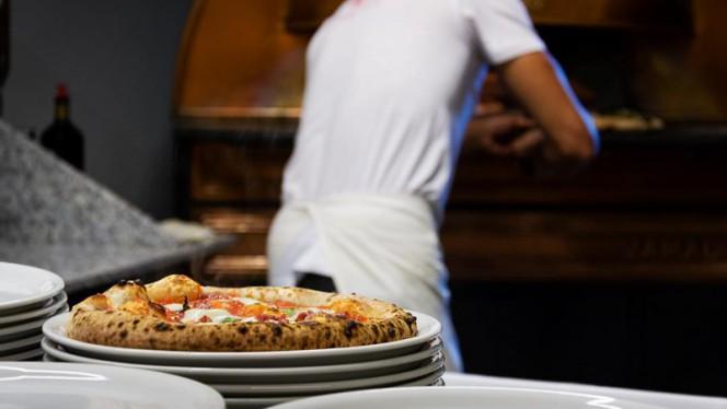Forno - Pizzeria Flegrea, Turin