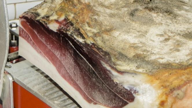Prosciutto Casalingo di Gaiole - Trattoria di Sor Paolo, San Casciano In Val Di Pesa