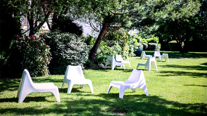Jardin - Les Pins Galants Brasserie Steakhouse, Tournefeuille
