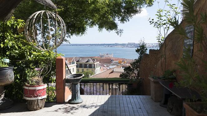 Esplanada - Chapitô à Mesa - Panorâmico, Lisboa
